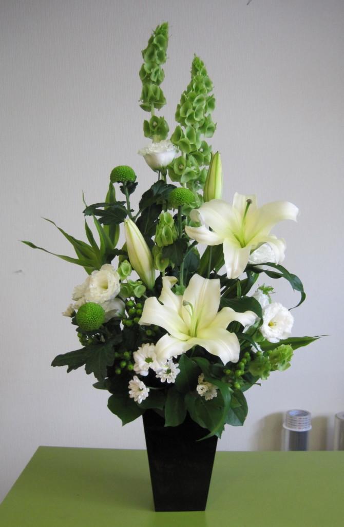 お盆には、お花おを贈りましょう。