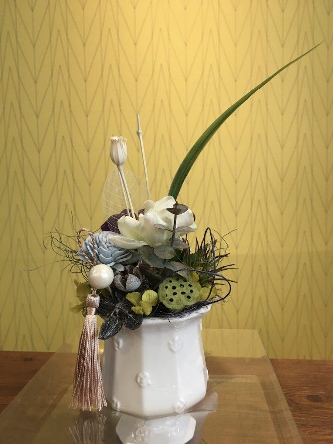 プリザーブドのお洒落な仏花